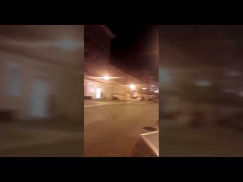 Un coche mal estacionado provoca un gran atasco no centro de Lugo
