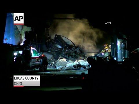 2 dead in Ohio cargo plane crash were from Texas