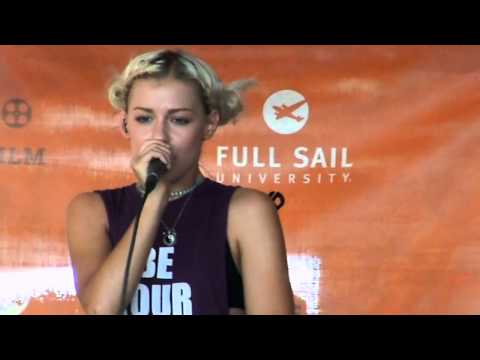 Tonight Alive- Amelia (Acoustic) Live at Warped