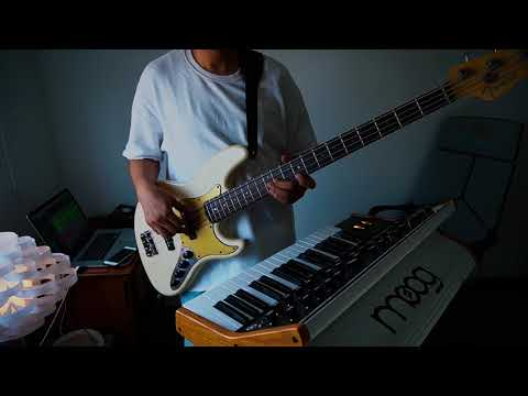 Smooth R&B bass solo