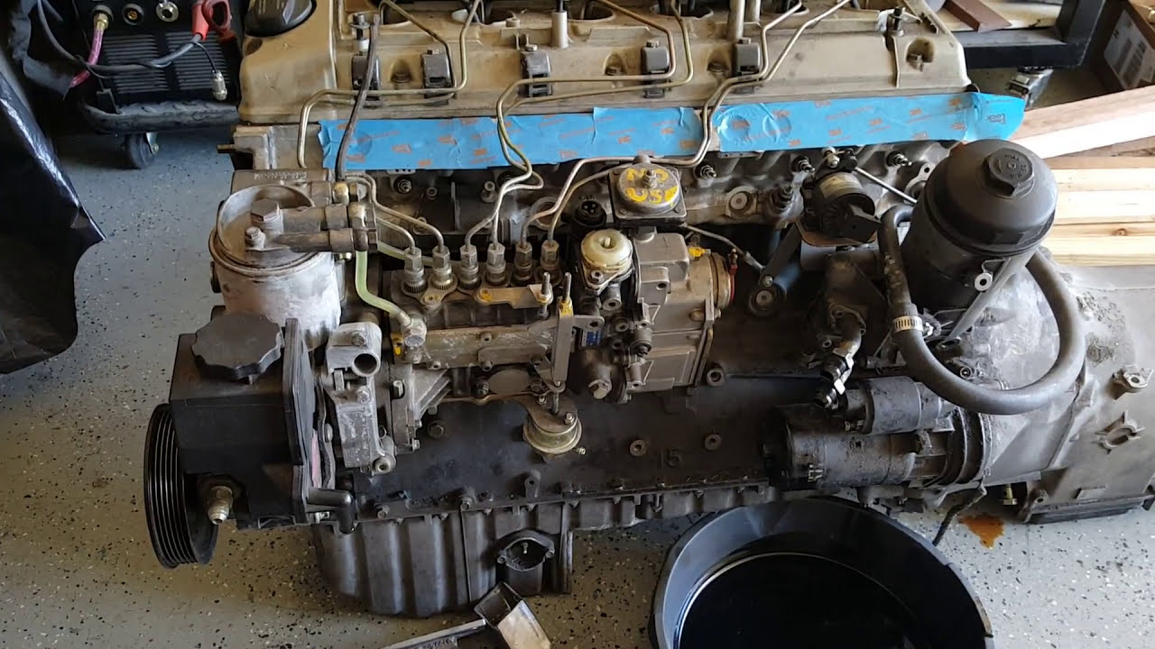 Mr300d - Engine Is Out And Ready For Rebuild!  Mr300d - Mercedes W123  Om606/722 6 Build 02:46 HD