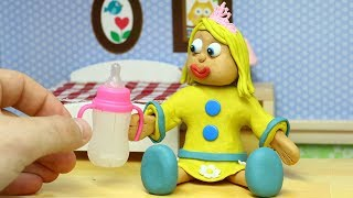 PRINCESS BABY SUPERHERO DRINKS A LOT OF MILK - Stop Motion With Play Doh & Clay