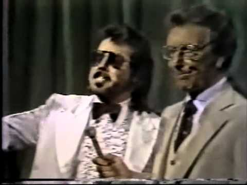 Jimmy Hart clowning - Gets nailed by Tojo Yamamoto (1981) Classic Memphis Wrestling Heels