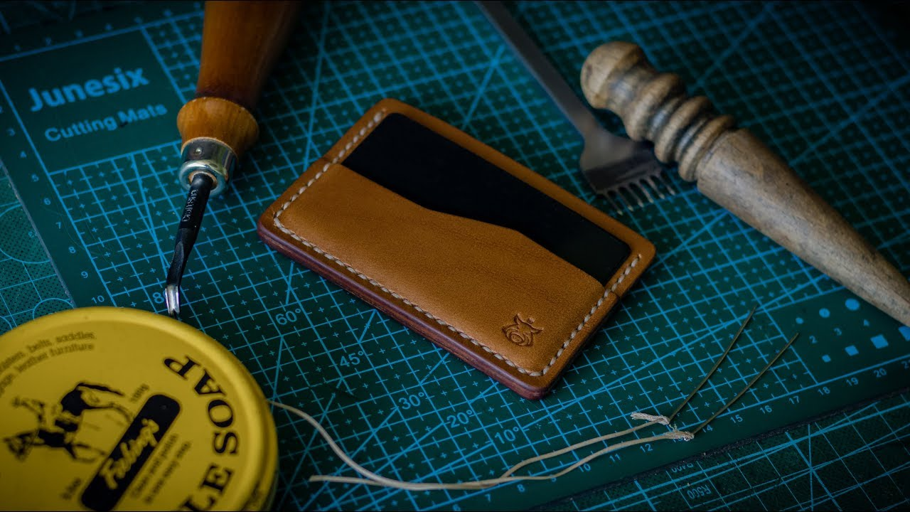 """01 minimalist leather card holder """"rift"""" how it's made"""