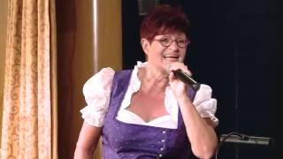 Charlotte Ludwig singt bei der Comedy Kreuzfahrt - MS PRIMADONNA