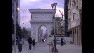 Viaggio nei Balcani. Skopje (MAC). 00339 - piazza macedonia 2