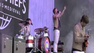 Kaiser Chiefs - Starts With Nothing (Live at Rock Werchter 2011)