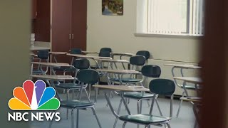 U.S. School Districts Struggling To Hire Substitute Teachers