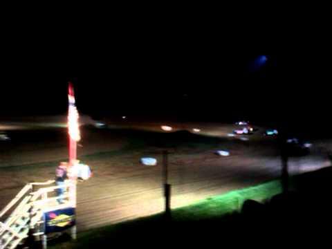 Centerville super speedway 4-23-2011 modifides