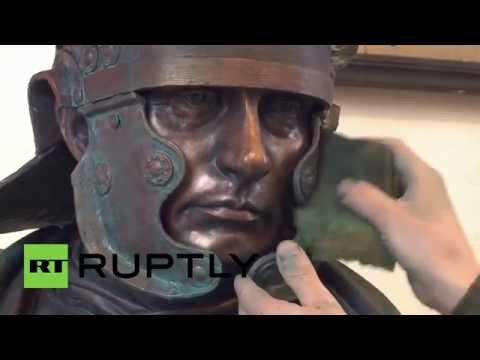 Russia: Sculptor creates bust of Putin as Roman emperor for Victory Day
