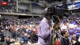 "Donald Trump Crowd Shouts ""CNN SUCKS"" in Wilkes-Barre, PA 10/10/16"