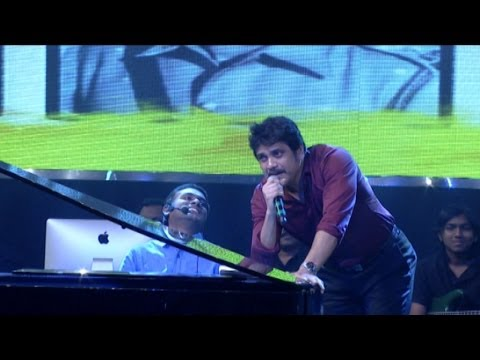 Nagarjuna Singing Chinni Chinni Song For Amala at Manam Sangeetam Event