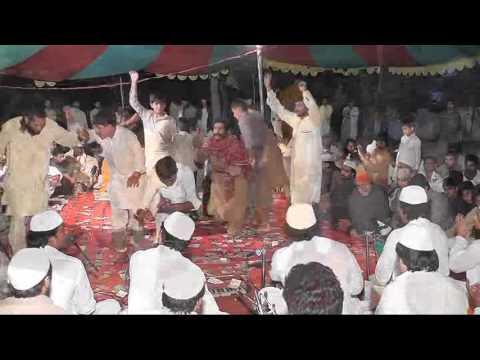 wangan chara lo kuriyo Mastana gee Saekar diyan qawwali in sivia sharif 15april2016 qawwal Badar Ali