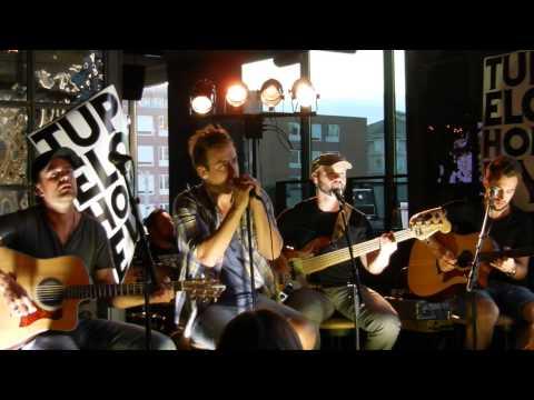 Tupelo Honey - We Are (Acoustic Live)