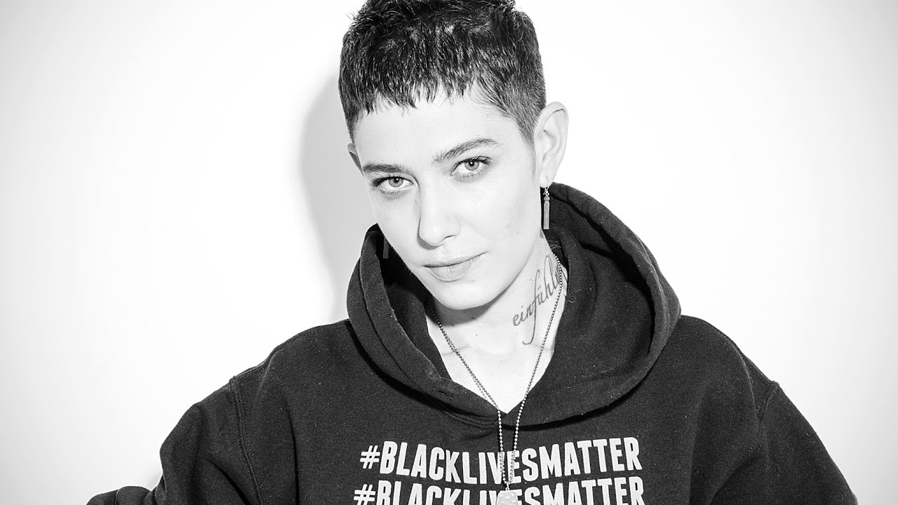 asia kate dillon with hair