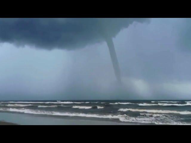 17/04/2021 - Tromba d'água em Atlântida Sul   METSUL