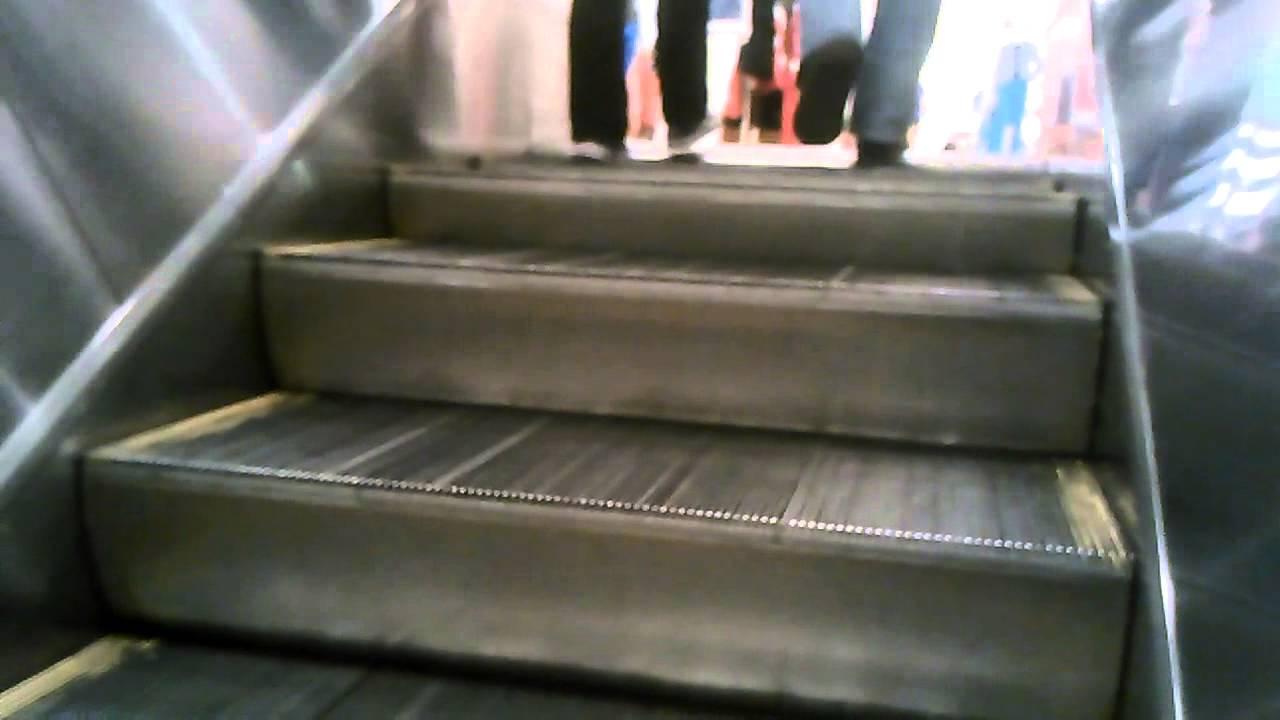 1f8adb20a5818 Schindler Escalators   Macys-Roosevelt Field Mall - YouTube
