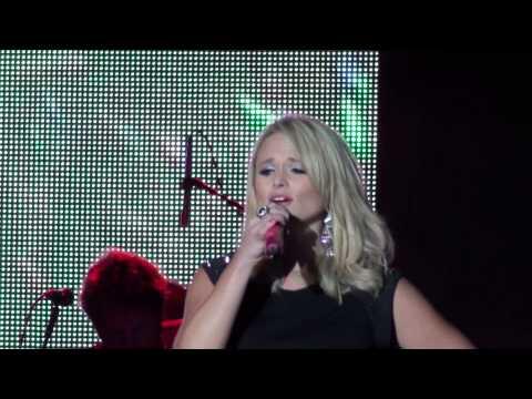 Miranda Lambert sings Baggage Claim live...