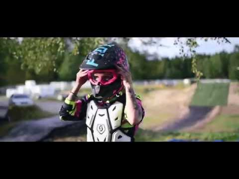 Thebikergirl - The world is our playground