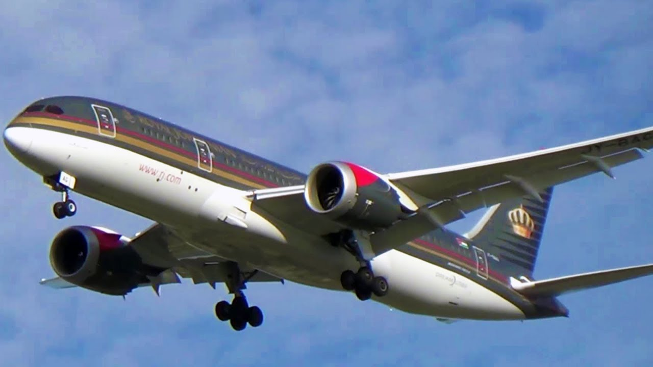 92c91773af61e Royal Jordanian Boeing 787-8 Dreamliner Landing at New York s John F.  Kennedy Int l Airport