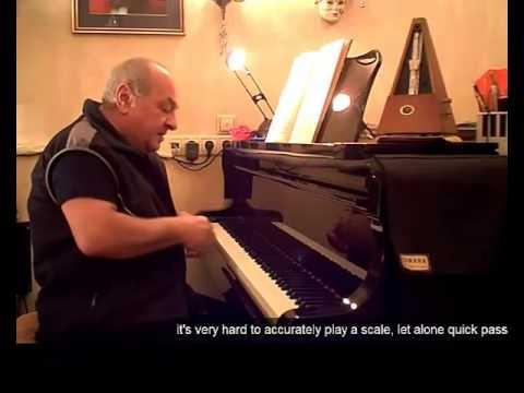 как сыграть песню мастер класс от Оганезова