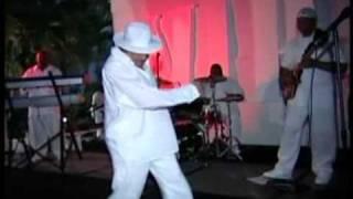 Funky Nassau Raphael (Ray) Munnings Live.avi