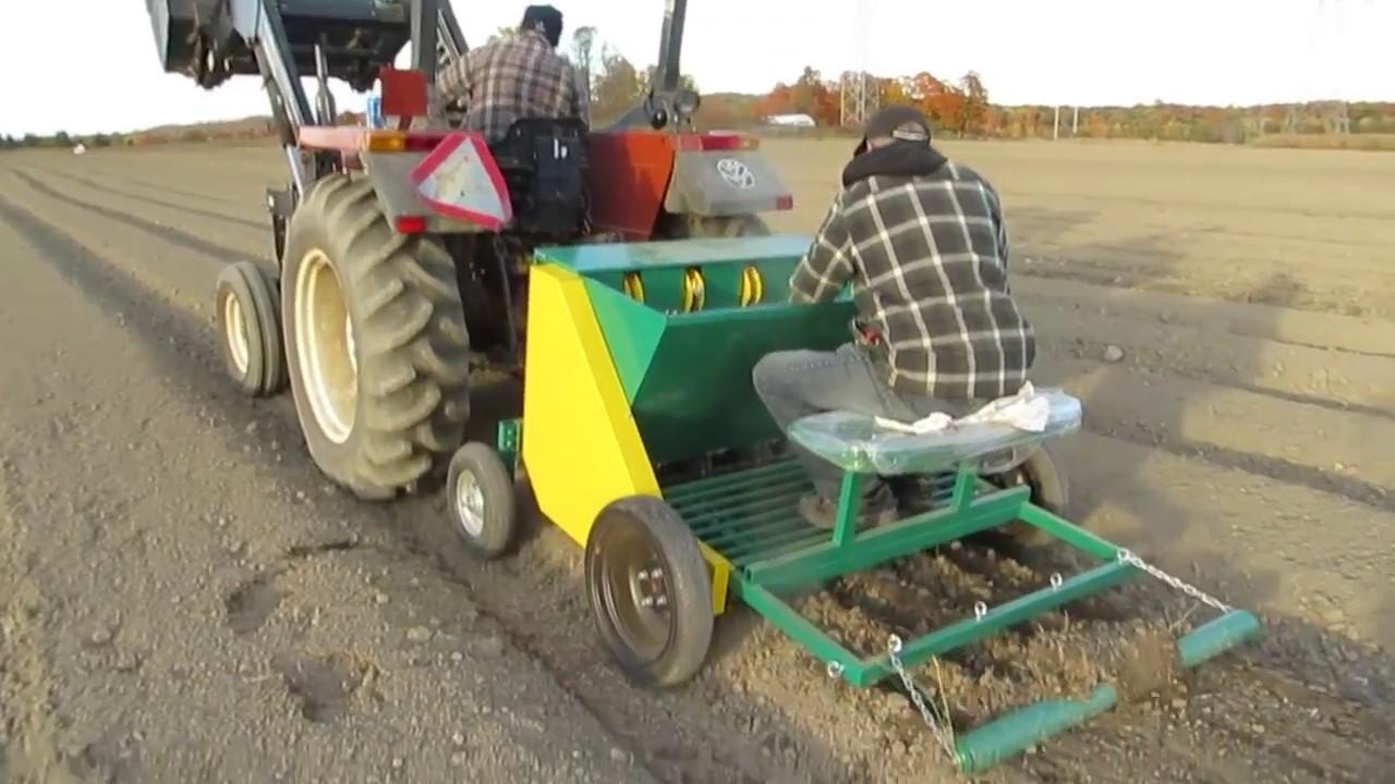 Garmach 4 Row Automatic Garlic Planter Tractor Mounted Canada Youtube