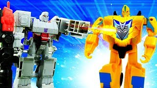 Видео про игрушки - трансформеры. Робот Бамблби стал десептеконом! Оптимус Прайм в опасности!
