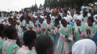 Ethiopia Orthodox Song (Alen Be Egziabher Hulun Alfen)