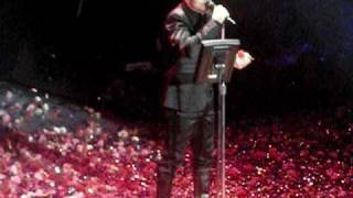 Notis Sfakianakis aderfe mou-apofwnisi live premiera 22/01/2010 odeion