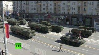 Военная техника на пути на парад Победы