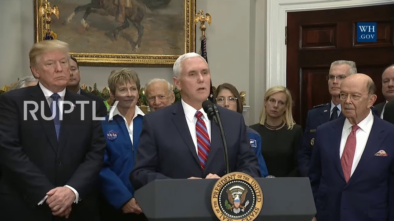 USA: Trump signs directive to send Americans back to Moon