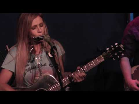 Kasey Chambers 7/12/17: 9 - A Million Tears + Real Breasts, Fake Other Stuff - Northampton, MA mp3