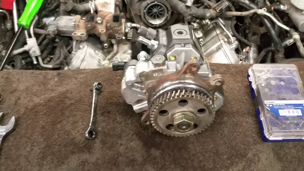 How To Install A Lbz Lmm Duramax Fuel Injection Pump Youtube