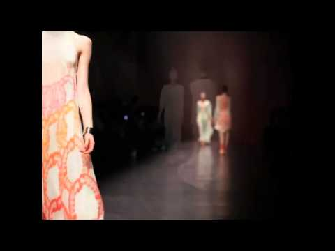 INGRID VLASOV S/S 2011 FASHION SHOW - VIDEO BY XXXX MAGAZINE