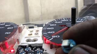 Світлодіоди в панель приладів Audi 100 C4
