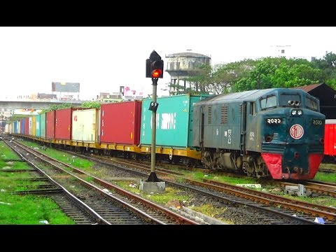 Freight Train Of Bangladesh Railway Entering Kamalapur Railway Station, Dhaka