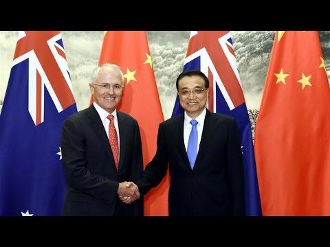 Premier Li Keqiang meets Australian PM Malcolm Turnbull in Beijing