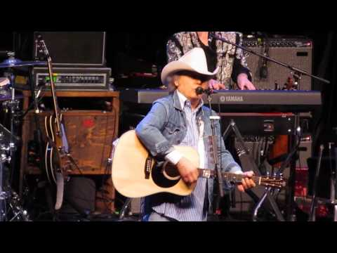 dwight yoakam LITTLE WAYS  live st augustine 2017