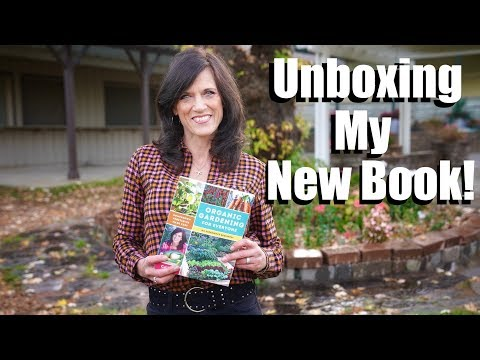 Unboxing My New Book – Organic Gardening for Everyone: Homegrown Vegetable Made Easy!  📕