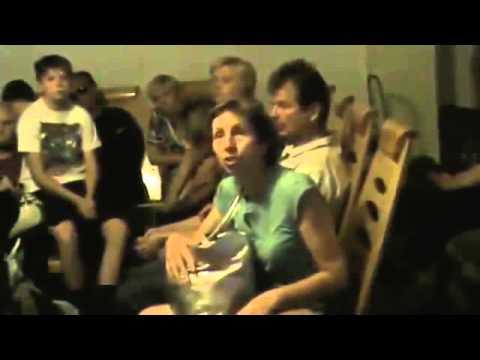 Жд вокзал Луганска  Террористы забирают мужчин в ополчение