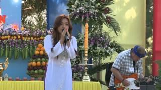 Ca Sĩ Xuân Mai hát cúng dường Lễ Phật Đản PL2557 tại Mile Square Park,ngày 11-5-2013.