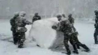 снег на плацу