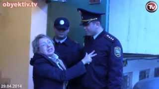 LEYLA YUNUSA QARŞI  POLİSİN TƏZYİQİ
