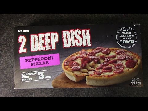 Iceland V Chicago Town Pizzas Real Review Youtube