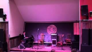 Angelina Babic klavier Spielt musik Stück / Barock Polyphonie-Instrumental kontrapunkt
