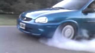 corsa quemando ruedas!!!