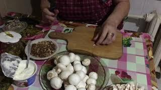 Новогодний салат с курицей, грибами и грецким орехом. Часть первая