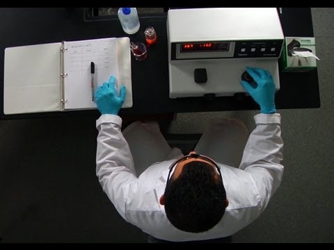 The Spectrophotometer A demo and practice experiment - YouTube