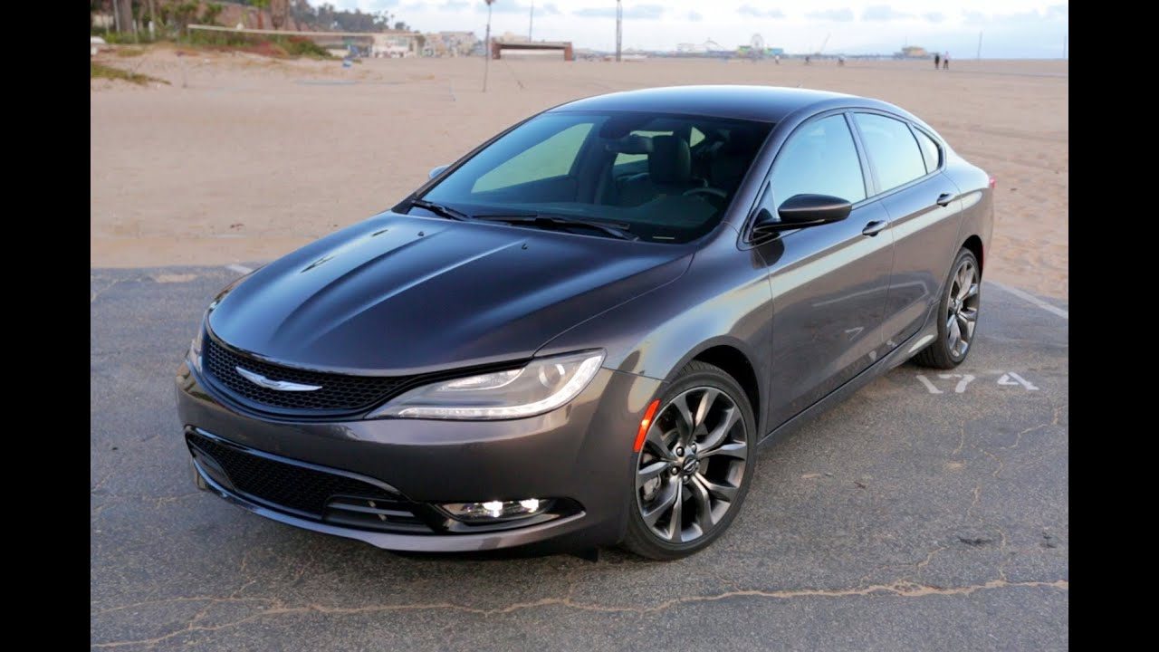 Chrysler 200 Limited >> 2015 Chrysler 200 Review | Edmunds.com - YouTube